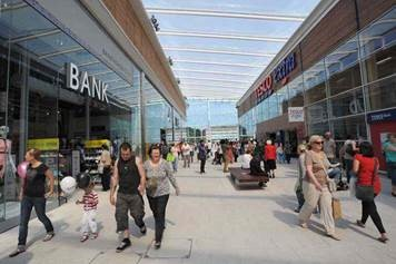 Two new fashion shops will open at New Square in West Bromwich before Christmas, creating 20 jobs