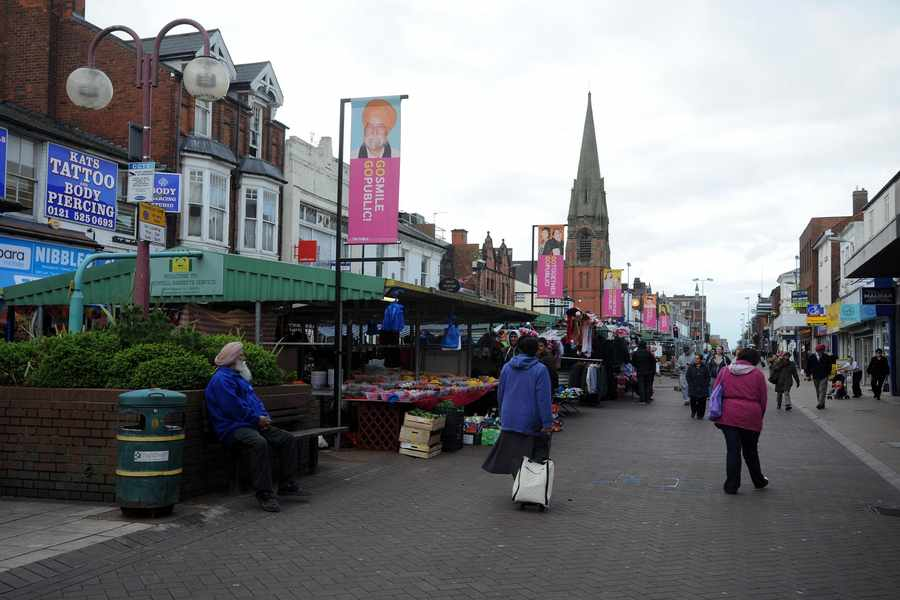 Living & Shopping in West Bromwich with the Sandwell Express&Star