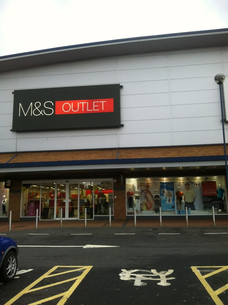 M&S Outlet, Astle Retail Park, West Bromwich – Discount