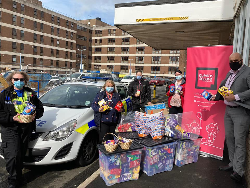 Distributing Easter Eggs to Sandwell Hospital with our partners!